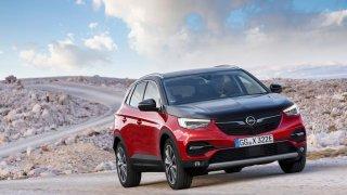 Opel Grandland X jako plug-in hybrid s pohonem všech kol