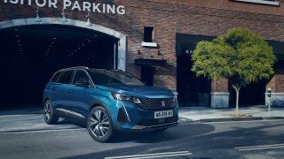 Peugeot 5008 prošel modernizací, která přináší svěží design i moderní technologie