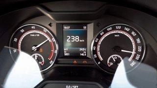 Takhle zrychluje nejrychlejší Octavia ve verzi RS 245