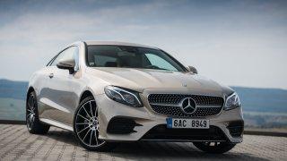 Mercedes-Benz E300 Coupe exteriér 1
