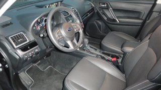 Subaru Forester - interiér 3