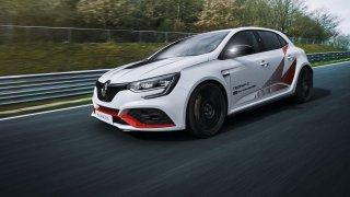 Současný nejvýkonnější Renault má rekord na Nürburgringu