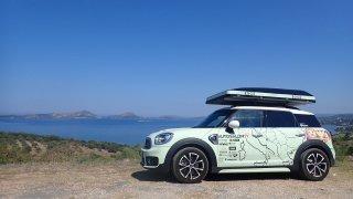 Balkánská jízda dnes zahajuje plážový trojbo