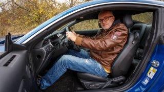 Ford Mustang interiér 18