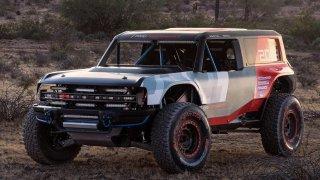 Slavný terénní kovboj z 60. let Ford Bronco se vrátí v závodní i sériové podobě. Bude to drsňák!