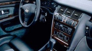 Audi S8 první generace 1