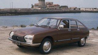 Poklady českých stodol a garáží: Citroën GS se stal československým autem roku. Umí jezdit po třech