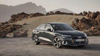 Druhá generace sedanu Audi A3 je luxusnější, méně praktická alternativa nové Octavie. Přijede v létě