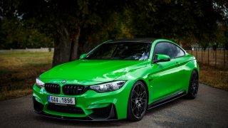 Plus milión, a z BMW M4 je plakátová kára srovnate