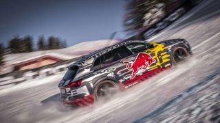 Audi e-tron na legendární sjezdovce