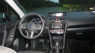 Subaru Forester - interiér 1