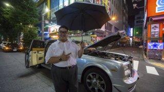 Bláznivý Japonec si dal do Rolls-Royce motor ze st