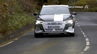 Auto news: Jaguar F-Type R, Audi A3 Sportback quattro, Felino CB7R, GMC Sierra s pásy místo kol