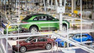 Porsche zahajuje výrobu inovovaného modelu Macan