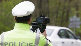 Měření rychlosti jako výnosné podnikání: Radary umístěné na autech soukromníků jsou hitem