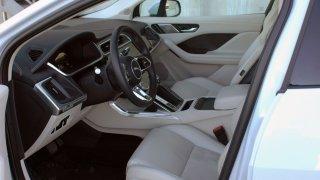 Jaguar I-Pace interier  2