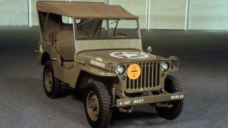 1941-1945 WILLYS MB v zavřené verzi