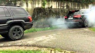 Přetahovaná pro chlapy. Jeep versus Audi SQ7