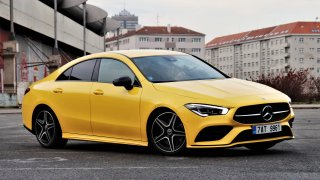 Mercedes za cenu Octavie ve všech ohledech dospěl. Testovali jsme CLA 220 kupé