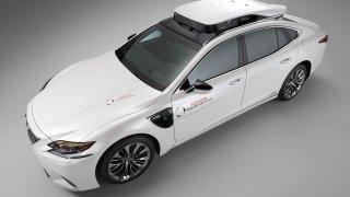 Autonomní vůz TRI-P4 Lexus