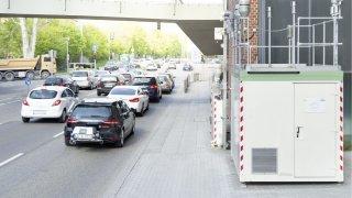 Všechna nová auta mají od ledna papírově mnohem vyšší spotřebu a emise. Elektromobily nižší dojezd