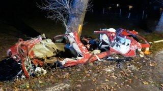Tři mladí lidé vyrazili se starou alfou romeo. Byla z toho nejhorší letošní nehoda na jihu Čech