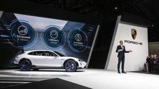Porsche Mission E Cross Turismo vyznává aktivní životní styl