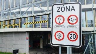 V Česku se množí zákazy vjezdu elektromobilů i vodíkových aut. Je to z lenosti, tvrdí ministerstvo