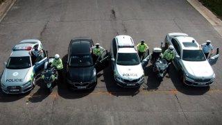 Policisté uspořádali spektakulární závod. Při něm prozradili, které jejich vozidlo je nejrychlejší