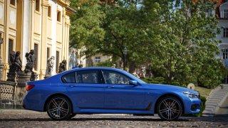 BMW 750i xDrive 4