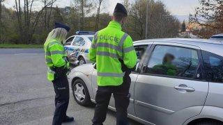 Nulová tolerance alkoholu při řízení v ČR vždy neplatí. Když se šofér nepřizná, projde mu 0,24 ‰