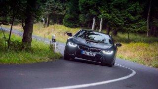 Provětrali jsme hybridní BMW i8 v edici Protonic F