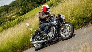 Test motocyklu Triumph Bonneville T120: Stylové retro plné emocí