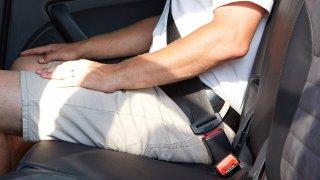 Za nepřipoutaného spolujezdce řidič pokutu neplatí. Existují ale výjimky