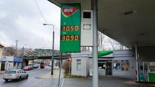 Velký omyl analytiků: Cena benzinu raketově stoupá. Za týden zdražil o 73 haléřů