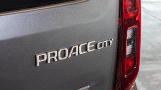 Toyota PROACE CITY 2019 interiér 1