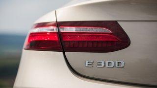 Mercedes-Benz E300 Coupe exteriér 4