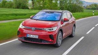 První dojmy z Volkswagenu ID.4 GTX: Rychlý, nikoliv sportovní. Kila navíc jsou znát v každé zatáčce