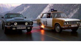 Žigulík vs. tajné zbraně Astonu Jamese Bonda