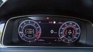 Volkswagen Golf GTI interiér 2