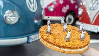 Od T1 až po T6.1. Podívejte se na fascinující ságu sedmdesáti let modelu Volkswagen Transporter