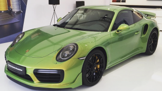 Porsche 911 Turbo S Exclusive Green 1