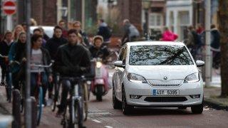 Škoda Citigo e iV nezapře konstrukční stáří. Nejlevnější elektromobil jezdí hbitě, i těžkopádně
