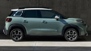Porovnali jsme Škodu Kamiq a další oblíbená malá SUV s novým a levným Citroënem C3 Aircross