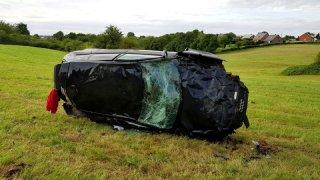 Děsivé záběry z nehody ve 200 km/h
