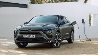 Citroën C5 je zpět! Dostal přídomek X a je z něj zajímavý velký crossover. Nafta ho pohánět nebude