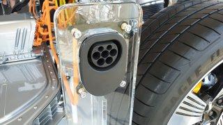 Elektromobily s nejdelším dojezdem už porážejí benzinová auta. A bude jich přibývat