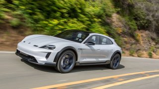 Studie Porsche Mission E Cross Turismo půjde do výroby