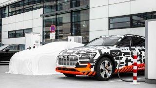 Audi e-tron nabíjení