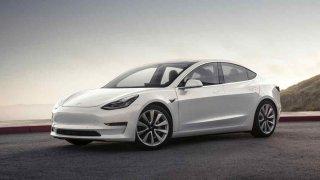 Od nového roku budou muset všechny elektromobily generovat zvuk. Jaký bude, je pouze na nich